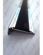 Алюмінієвий кутовий поріг з гумовою вставкою УЛ 151 БП 1,0м