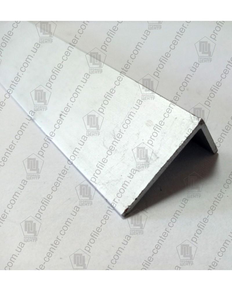 60*20*2.2. Алюминиевый уголок равносторонний, без покрытия