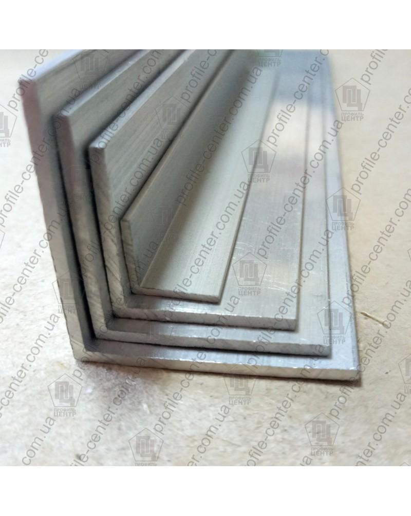 10*10*1. Алюмінієвий куточок рівносторонній, фарбований «Білий»
