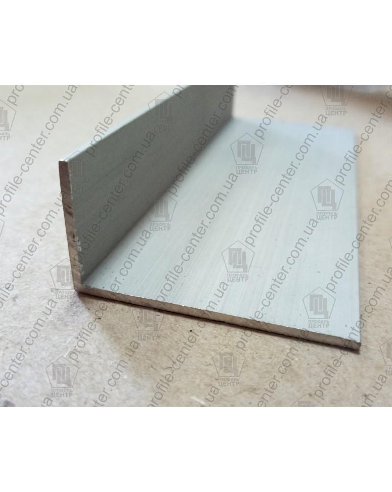 15*25*1.5. Алюмінієвий куточок різнобічний, анод «срібло» 3,0 м.