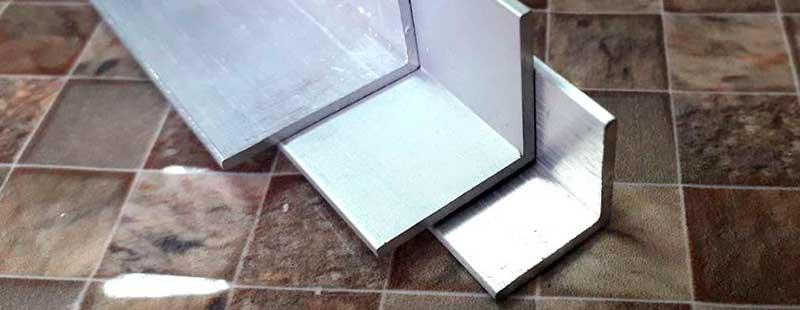 Равносторонний алюминиевый угол